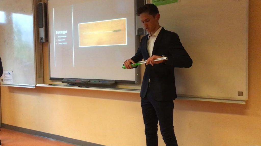 Presentation of Light-up cane Improvement Student Science Project – Calandlyceum Amsterdam